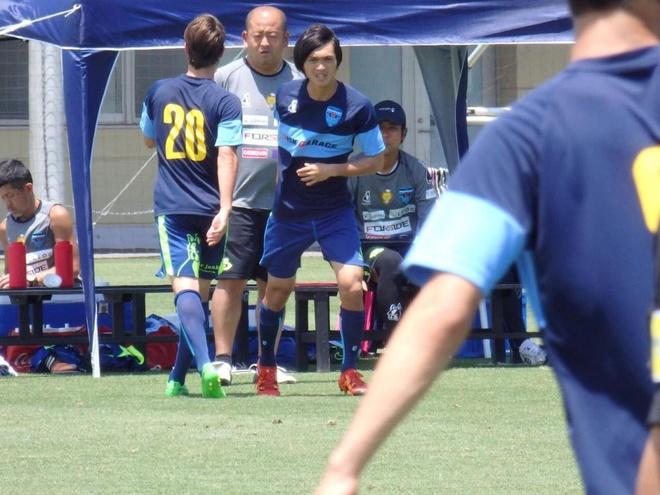 Tuan Anh ra san o tran dau tap voi CLB J.League 2 hinh anh 1