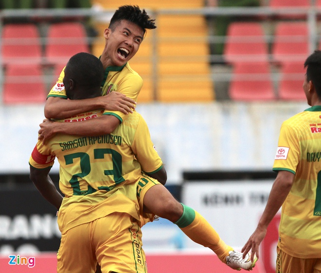 Hai Phong loi nguoc dong thang doi cuoi bang V.League hinh anh 3