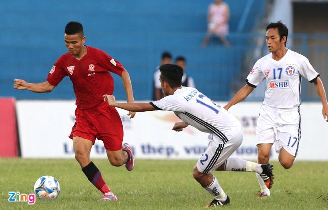 CDV Hai Phong lao xuong san doi 'an thua' voi trong tai hinh anh 4