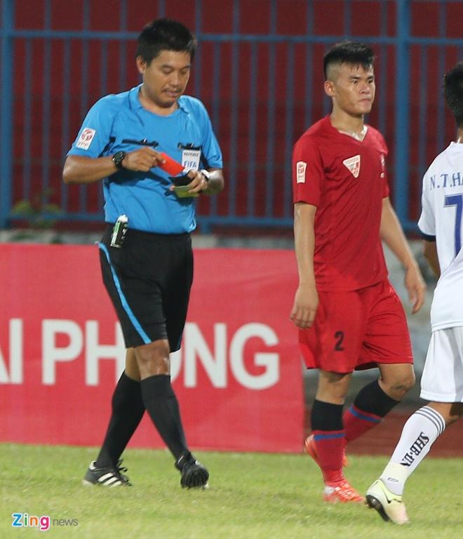 CDV Hai Phong lao xuong san doi 'an thua' voi trong tai hinh anh 7