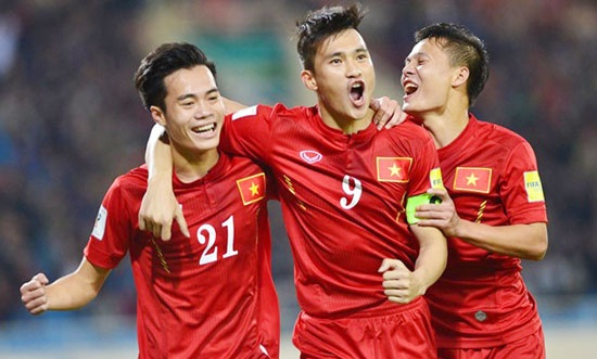 Tuyen Viet Nam tap huan Han Quoc truoc them AFF Cup 2016 hinh anh