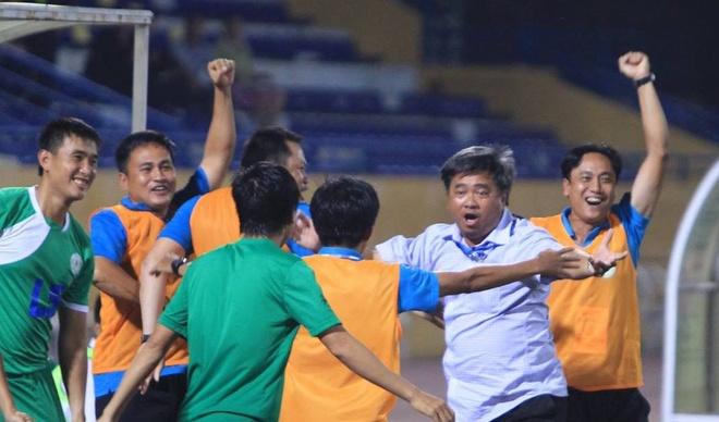 CLB TP HCM thang hang V.League 2017 truoc 3 vong dau hinh anh
