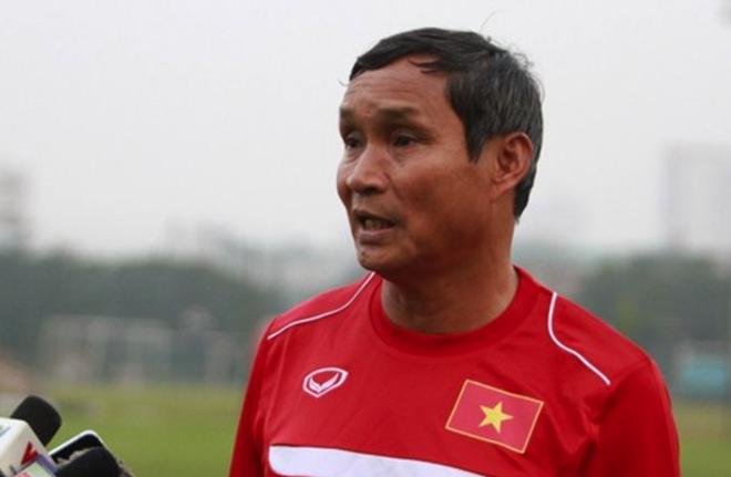 HLV Mai Duc Chung: 'Trong tai ep chung toi ca tran' hinh anh