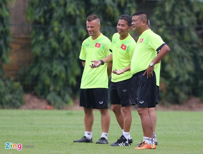 U19 Viet Nam tap o Ha Noi anh 1