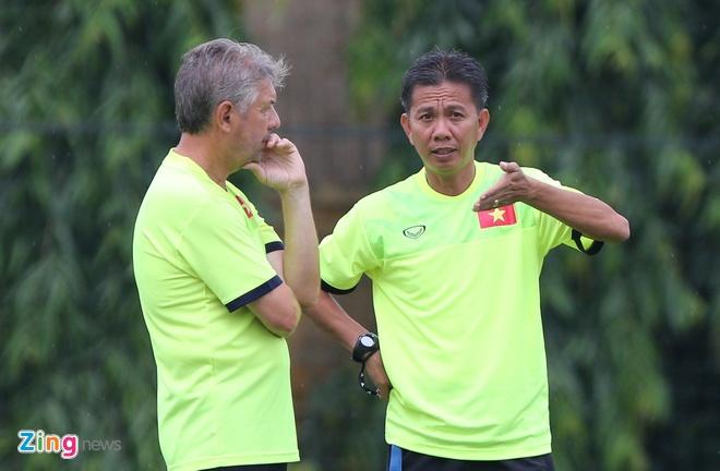 U19 Viet Nam tap o Ha Noi anh 8