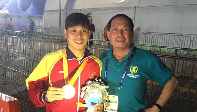 Bo truong thuong nong 2 VDV gianh huy chuong Paralympics hinh anh