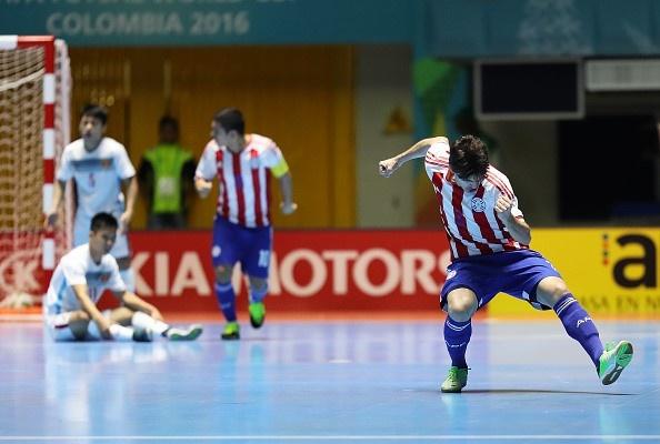 Truong doan futsal VN giai thich ly do thua dam Paraguay hinh anh 1