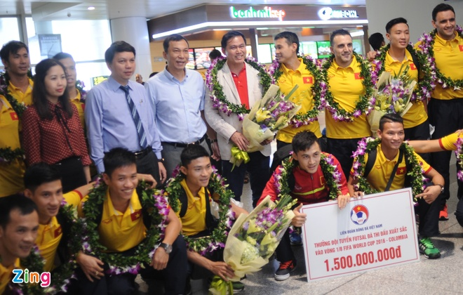 Futsal Viet Nam duoc thuong 1,5 ty dong khi ve nuoc hinh anh 4