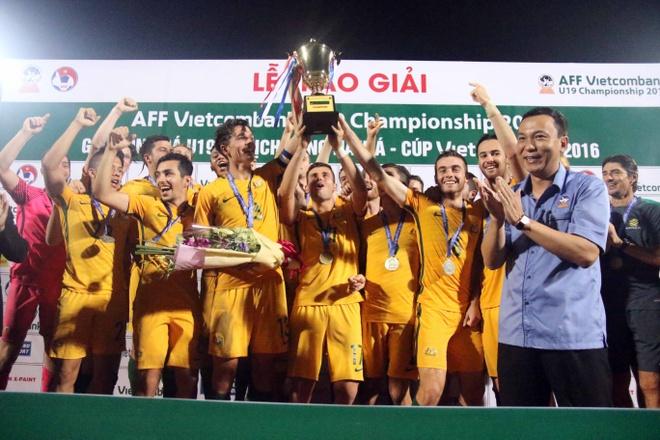 Thanh Hau ghi ban giup U19 Viet Nam gianh huy chuong dong hinh anh 2