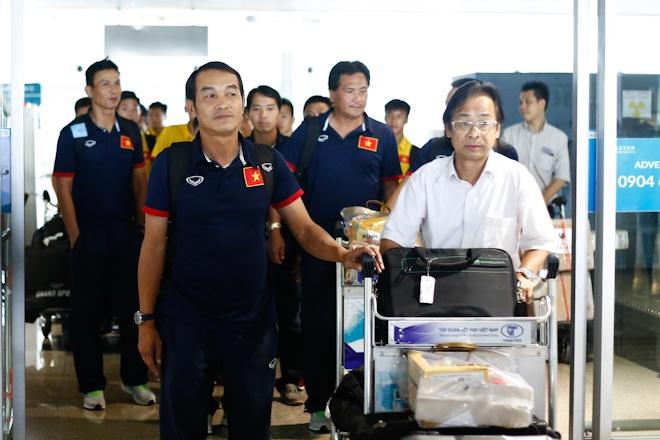 VFF thuong U16 Viet Nam 400 trieu ngay tai san bay Noi Bai hinh anh 2