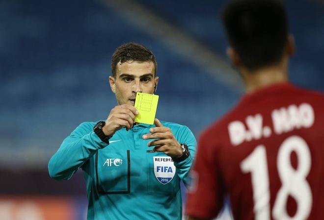 HLV U19 VN: 'Trong tai nen xem lai qua phat penalty' hinh anh