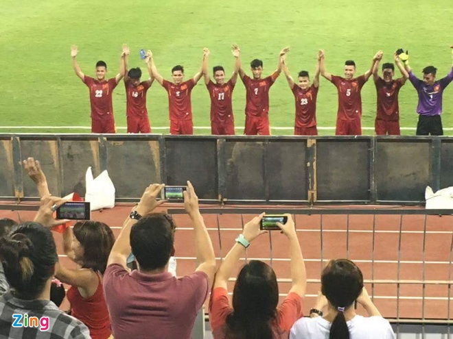 Video CDV tiep lua U19 Viet Nam o giai chau A hinh anh 5
