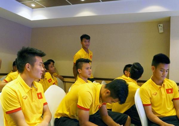 Giot nuoc mat va giac mo co that cua HLV U19 Viet Nam hinh anh 1