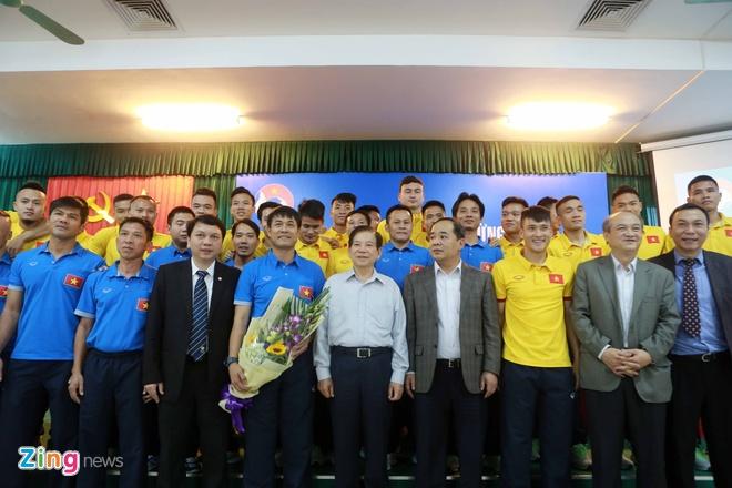 Nguyen Chu tich nuoc Nguyen Minh Triet tham cac DTQG hinh anh 7