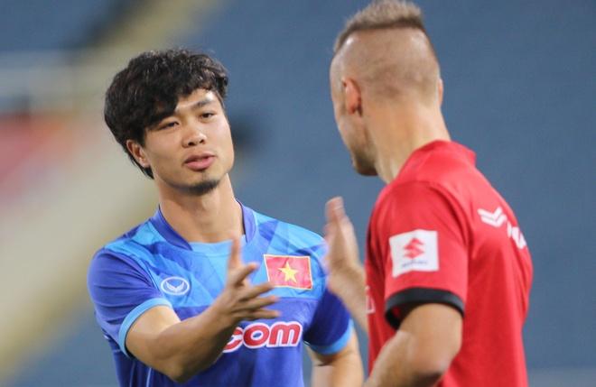 Cong Phuong dat muc tieu da chinh o AFF Cup hinh anh