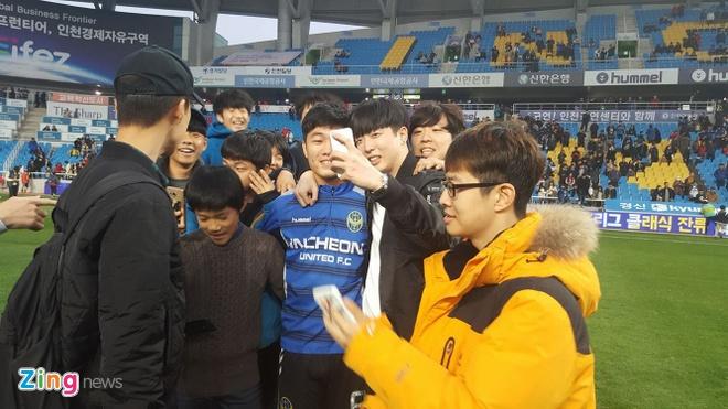 Xuan Truong mung Incheon tru hang anh 4