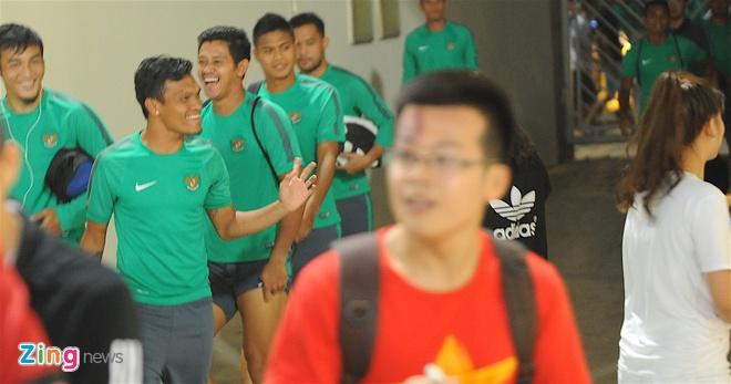 Indonesia treu gheo fan nu Viet Nam anh 2