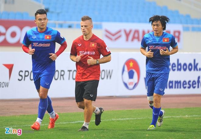 Indonesia treu gheo fan nu Viet Nam anh 8