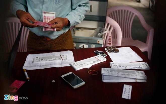 CDV Myanmar khong de y den tuyen VN khi xep hang mua ve hinh anh 3