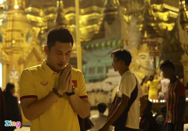 Tuyen Viet Nam tham chua Vang cua Myanmar cau binh an hinh anh 5