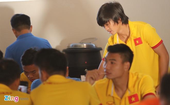 Tuan Anh chac chan lo tran ra quan gap Myanmar hinh anh 2