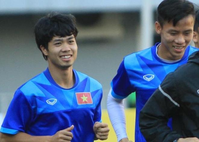 Cong Phuong thay doi hinh anh truoc tran gap Campuchia hinh anh