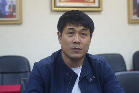 Video HLV Huu Thang giai trinh ve that bai cua tuyen Viet Nam o AFF Cup hinh anh