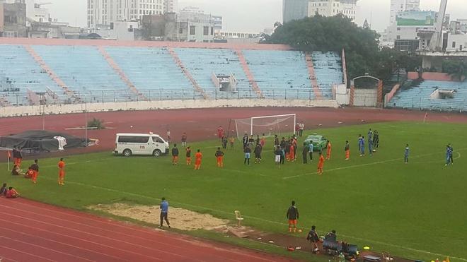 Vo Huy Toan gay tay o tran giao huu truoc them V.League 2017 hinh anh 1