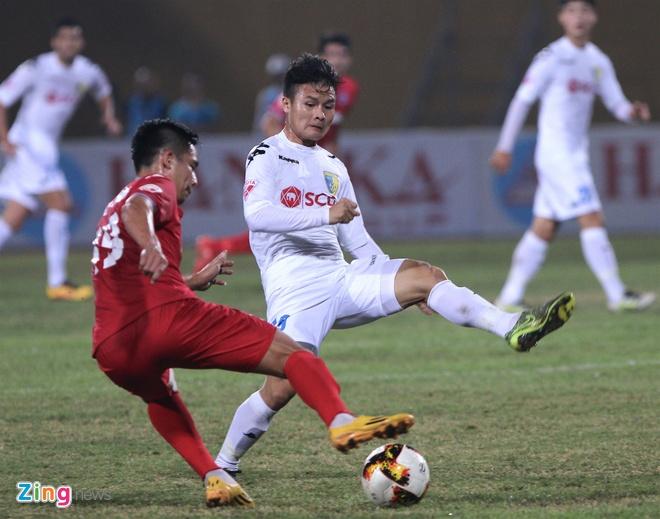 Quang Hai lap sieu pham V.League, anh 1