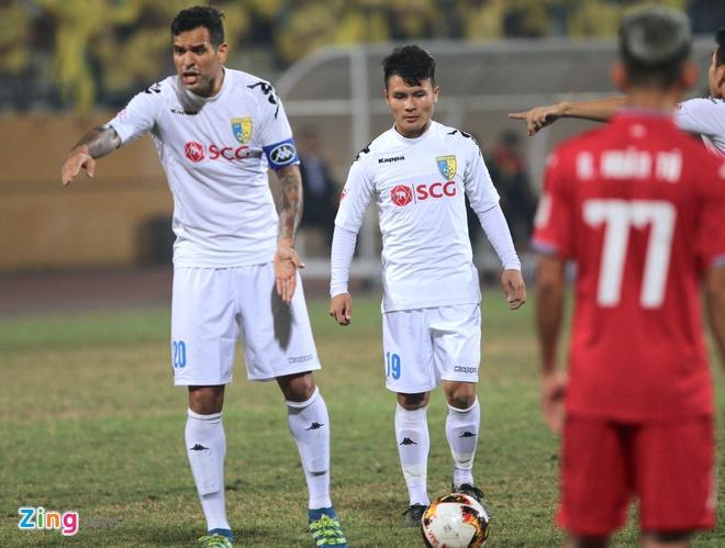 Quang Hai lap sieu pham V.League, anh 4