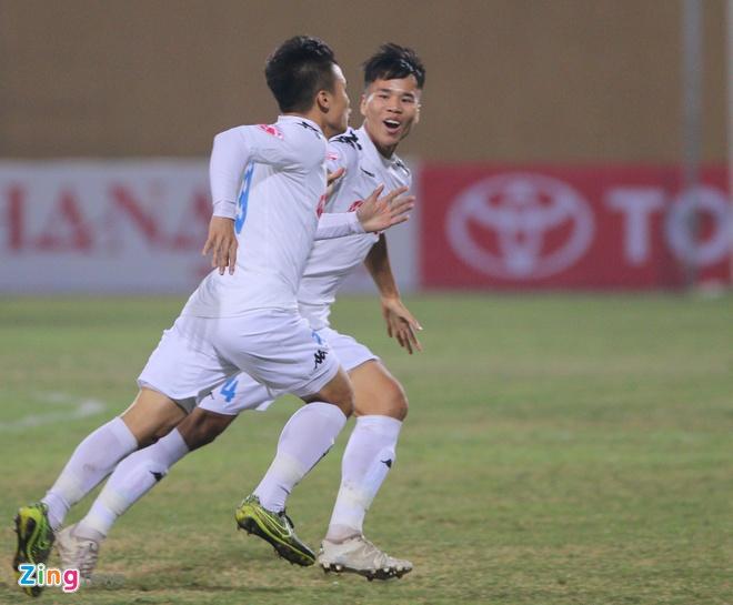 Quang Hai lap sieu pham V.League, anh 6