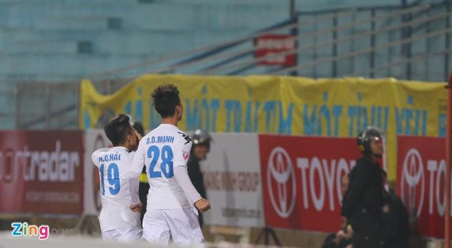 Quang Hai lap sieu pham V.League, anh 8