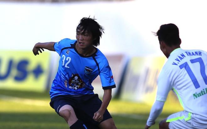 Tuan Anh chuc Yokohama FC thang hang J.League hinh anh
