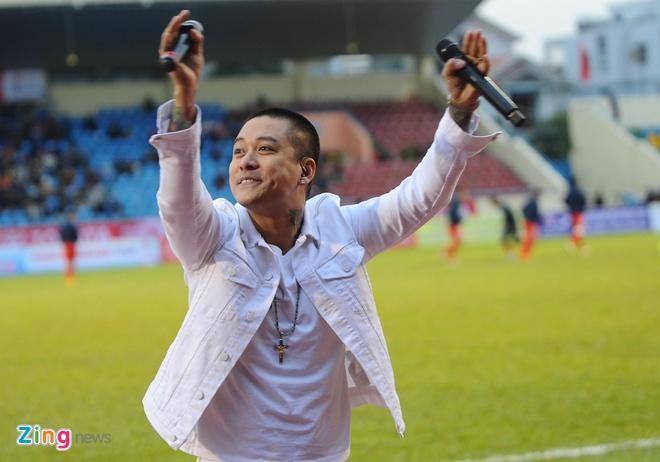 Ca si Tuan Hung, Bao Thy khuay dong san Cam Pha hinh anh 8
