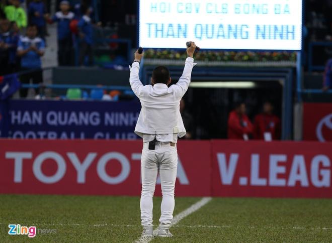 Ca si Tuan Hung, Bao Thy khuay dong san Cam Pha hinh anh 9