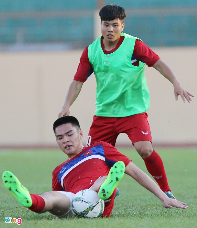U20 Viet Nam: Tony Tuan Anh da cap voi Thanh Hau hinh anh 5