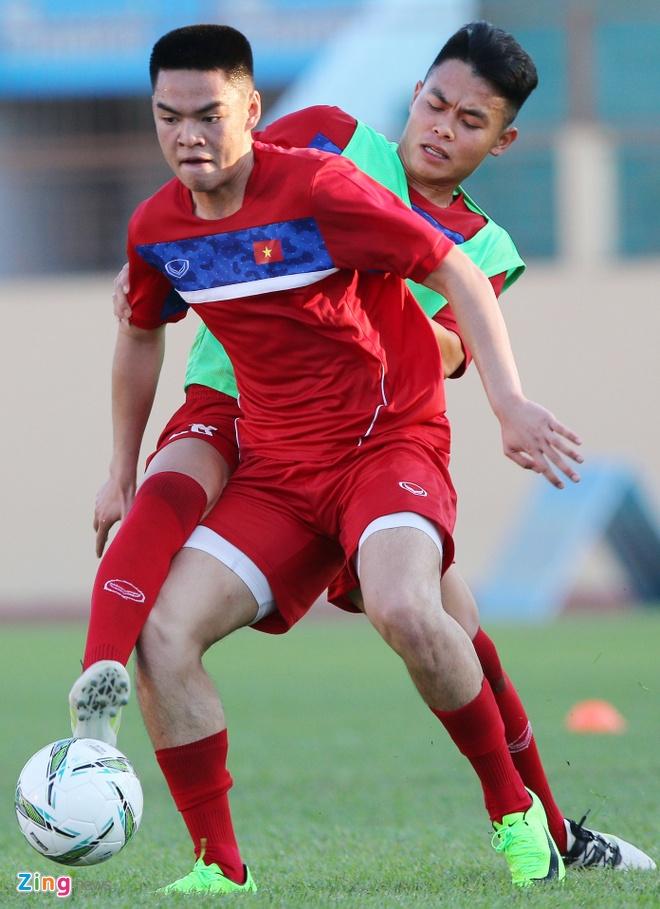 U20 Viet Nam: Tony Tuan Anh da cap voi Thanh Hau hinh anh 6