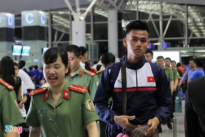 U20 Viet Nam hao huc sang Duc tap huan hinh anh 6