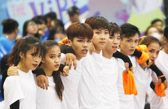 Dance Battle DH Quoc Te TP.HCM: Khat khe voi minh de tao chat rieng hinh anh