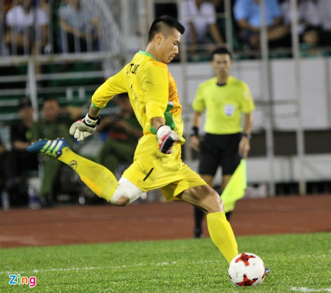 Hai Anh em nha Bui Tien o U20 Viet Nam anh 4