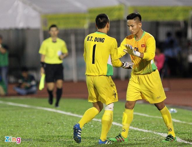Hai Anh em nha Bui Tien o U20 Viet Nam anh 6