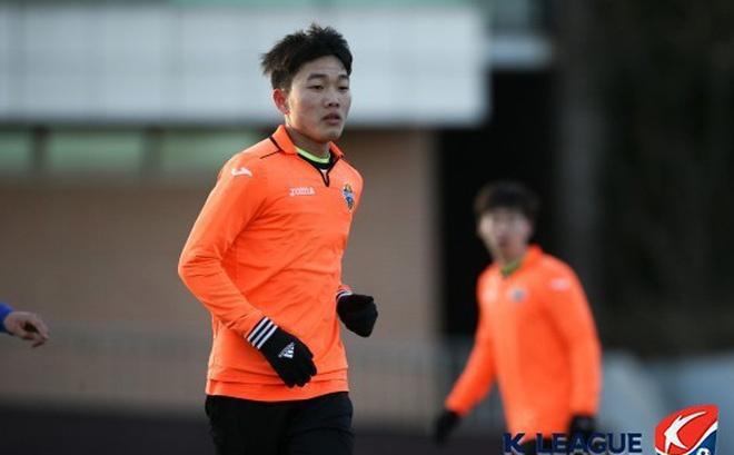 Xuan Truong da chinh va ghi ban o R.League hinh anh