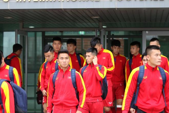 U20 Viet Nam hung khoi ra san tap o Han Quoc hinh anh 1
