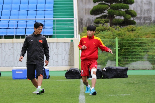 U20 Viet Nam hung khoi ra san tap o Han Quoc hinh anh 3