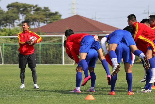 Thanh Hau chay dua voi thoi gian truoc gio chot danh sach du World Cup hinh anh 4