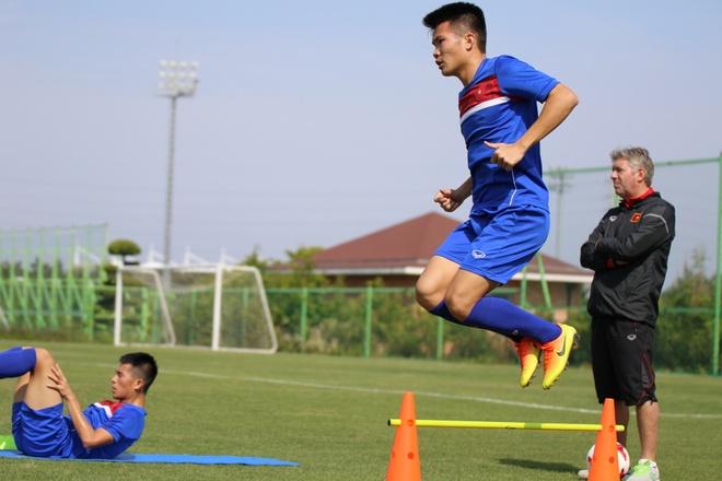 Thanh Hau chay dua voi thoi gian truoc gio chot danh sach du World Cup hinh anh 7