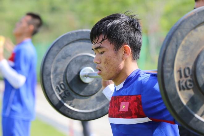 Thanh Hau chay dua voi thoi gian truoc gio chot danh sach du World Cup hinh anh 9