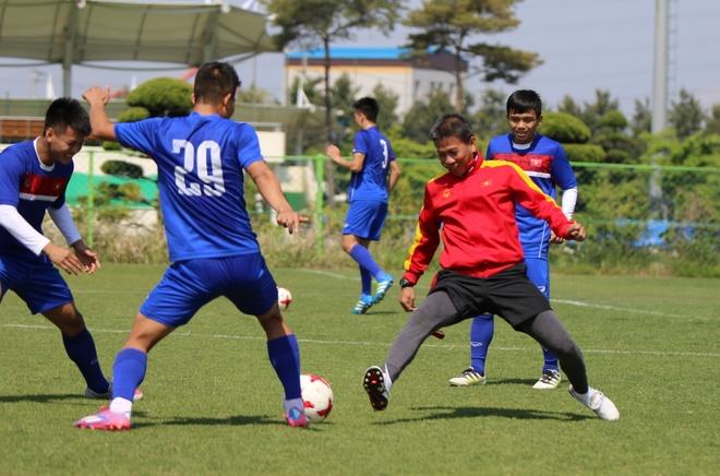 Thanh Hau chay dua voi thoi gian truoc gio chot danh sach du World Cup hinh anh 10