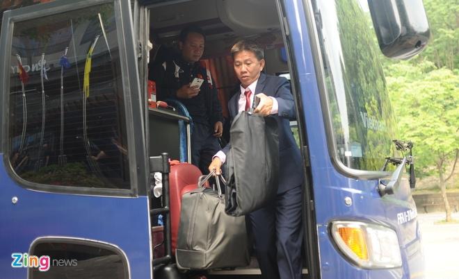 Cau thu U20 Viet Nam dien vest 'xong dat' FIFA U20 World Cup hinh anh 1