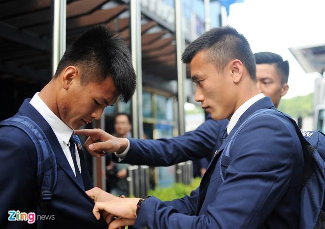 Cau thu U20 Viet Nam dien vest 'xong dat' FIFA U20 World Cup hinh anh 3